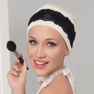 Kaya - Bandeau accessoire de la collection Ellen's Headwear.