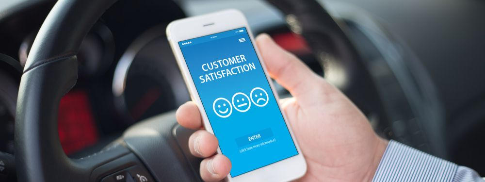 man with customer satisfaction app