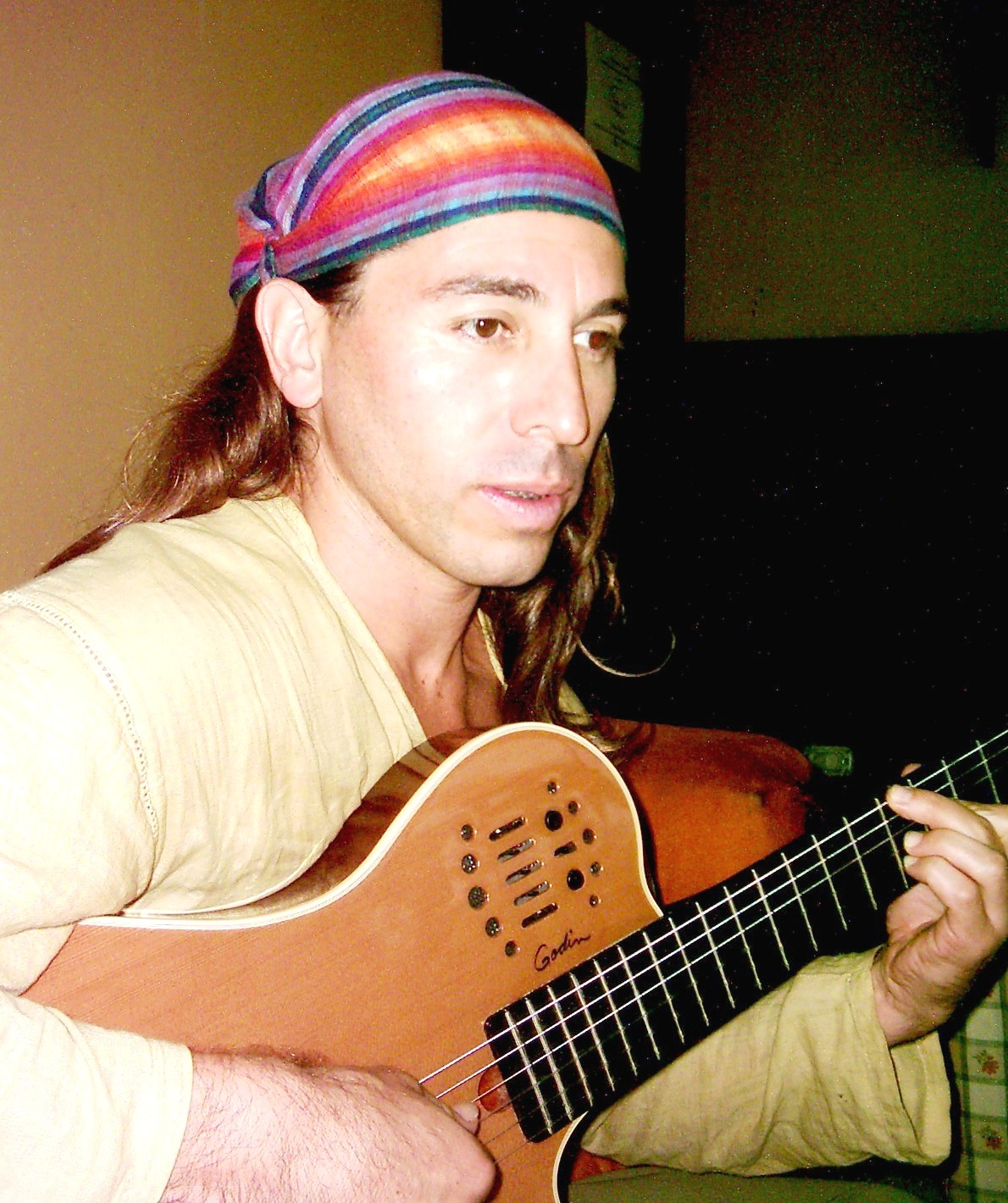 alex-piedra-cantautor-costarricense