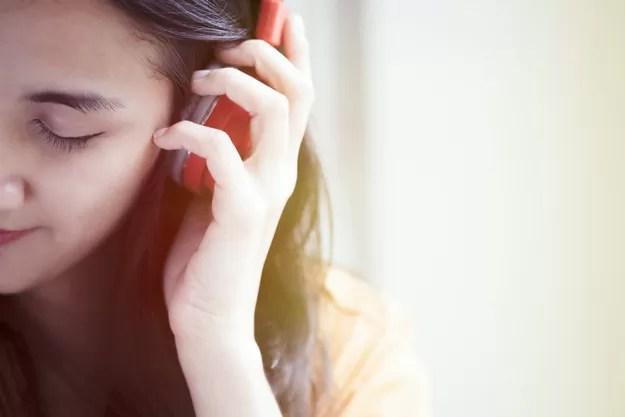 Cómo usar los auriculares de forma segura