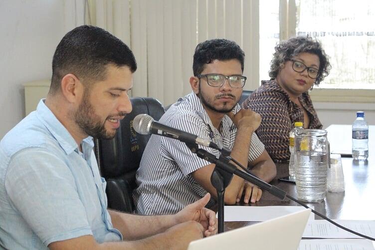 """evento5 - Editora do Polêmica Paraíba participa de debate """"A internet e o futuro da Democracia"""" no campus da UEPB em Guarabira"""