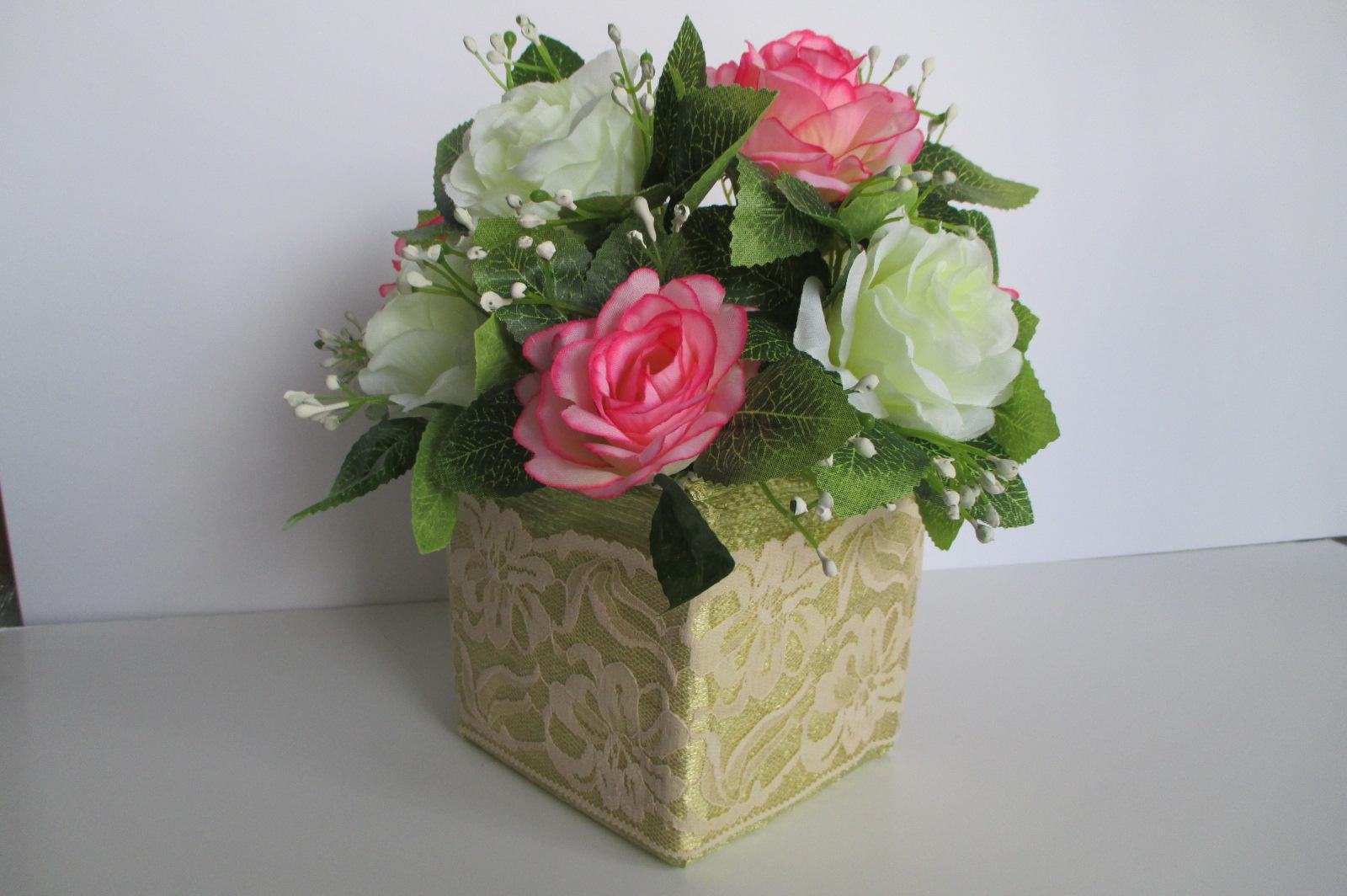 Arreglos y centros de mesa con flores artificiales  Ms
