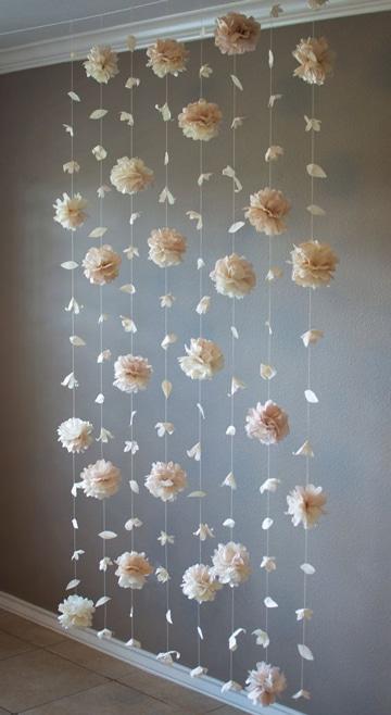 Fascinante decoracion con flores de papel china colgantes