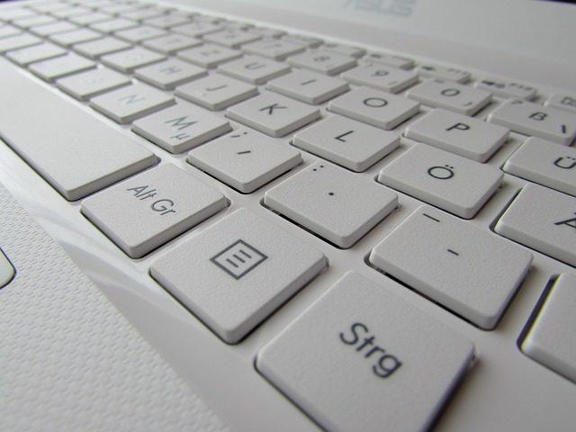 Zamienione klawisze Z i Y jak przywrócić
