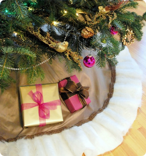 fur trimmed tree skirt
