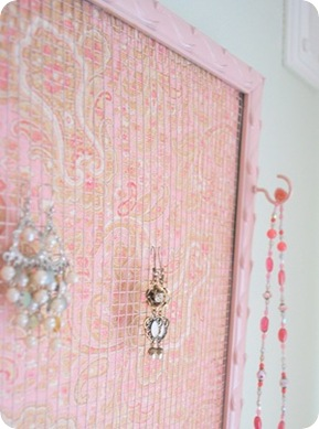 recycled frame jewelry holder