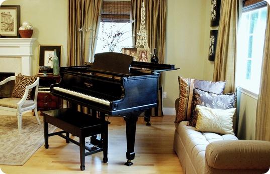 cg living room piano
