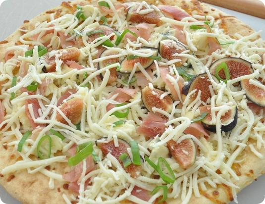 add figs prosciutto and onion