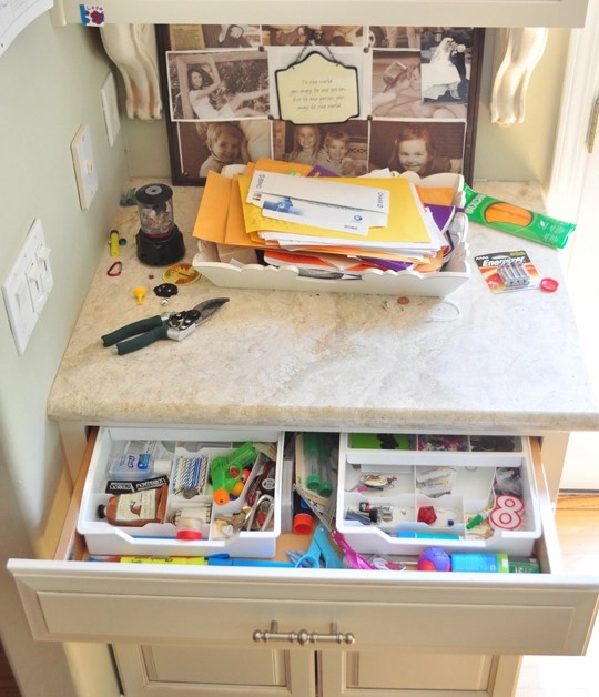 Messy Kitchen Drawer: Organizing The Junk Drawer (please Contain Your Excitement