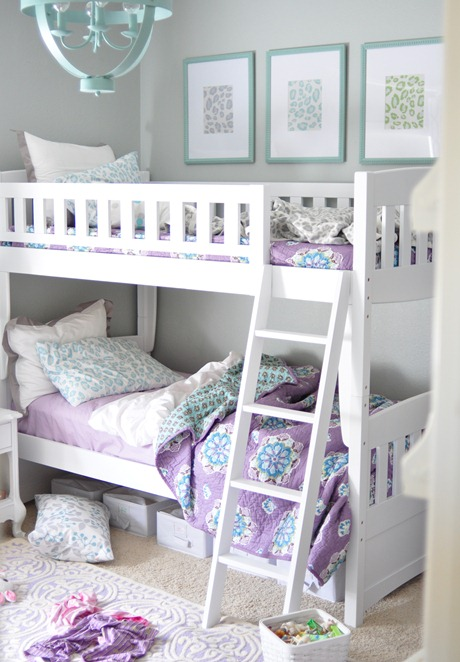 unmade bunk beds