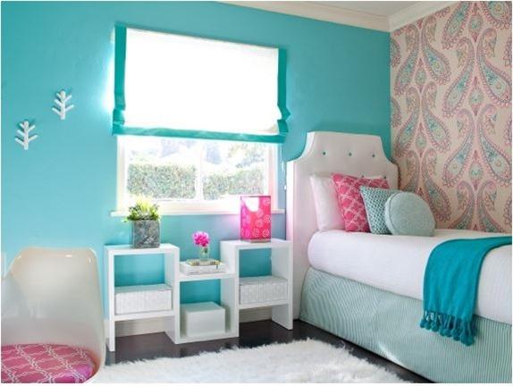 bright colored paisley wallpaper