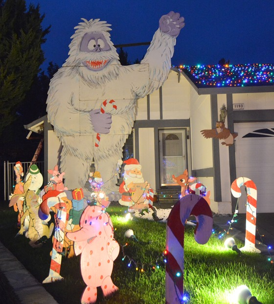 aboniamable snowman display