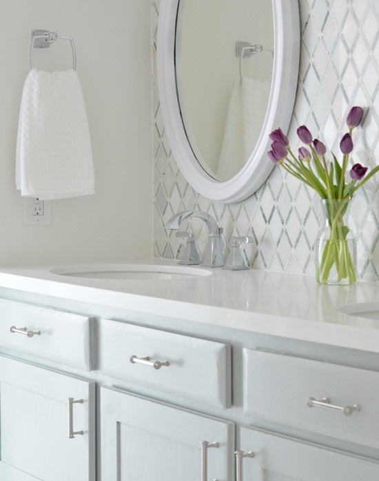 Ideal vanity mirror countertop