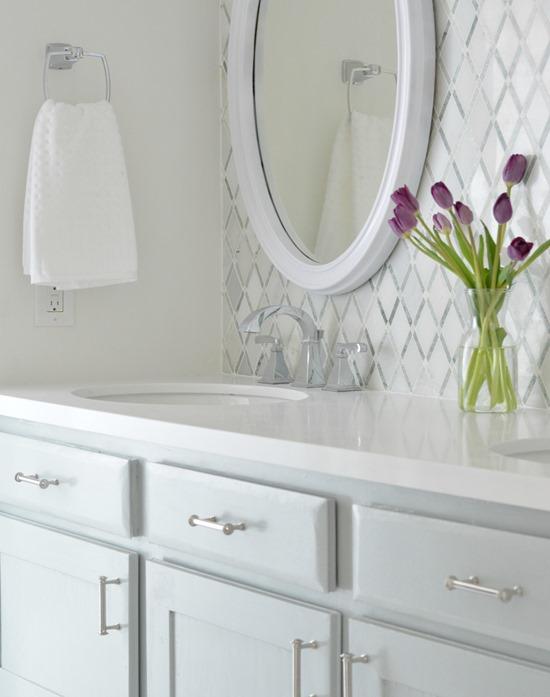 Vintage vanity mirror countertop