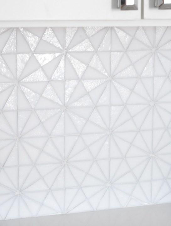 glass tile backsplash detail