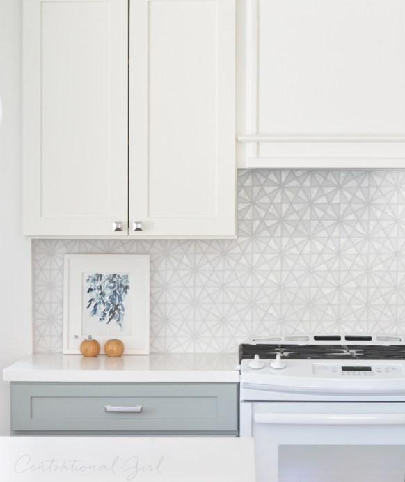 white upper kitchen cabinets gray lower glass tile backsplash