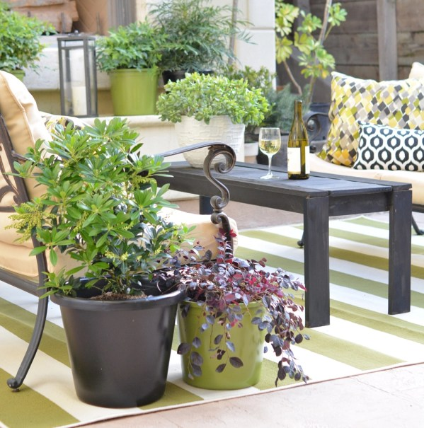 courtyard planters bench