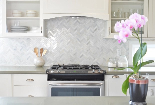 herringbone backsplash behind range