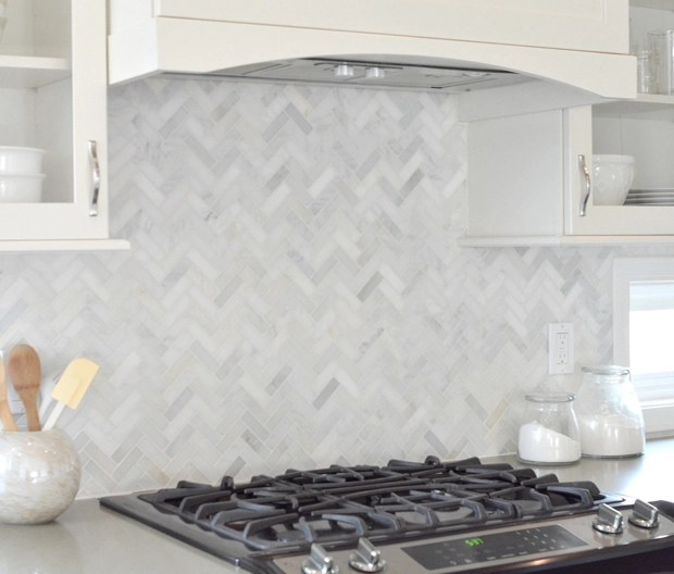 slide in range backsplash