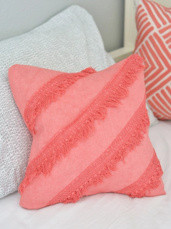 coral-fringe-diagonal