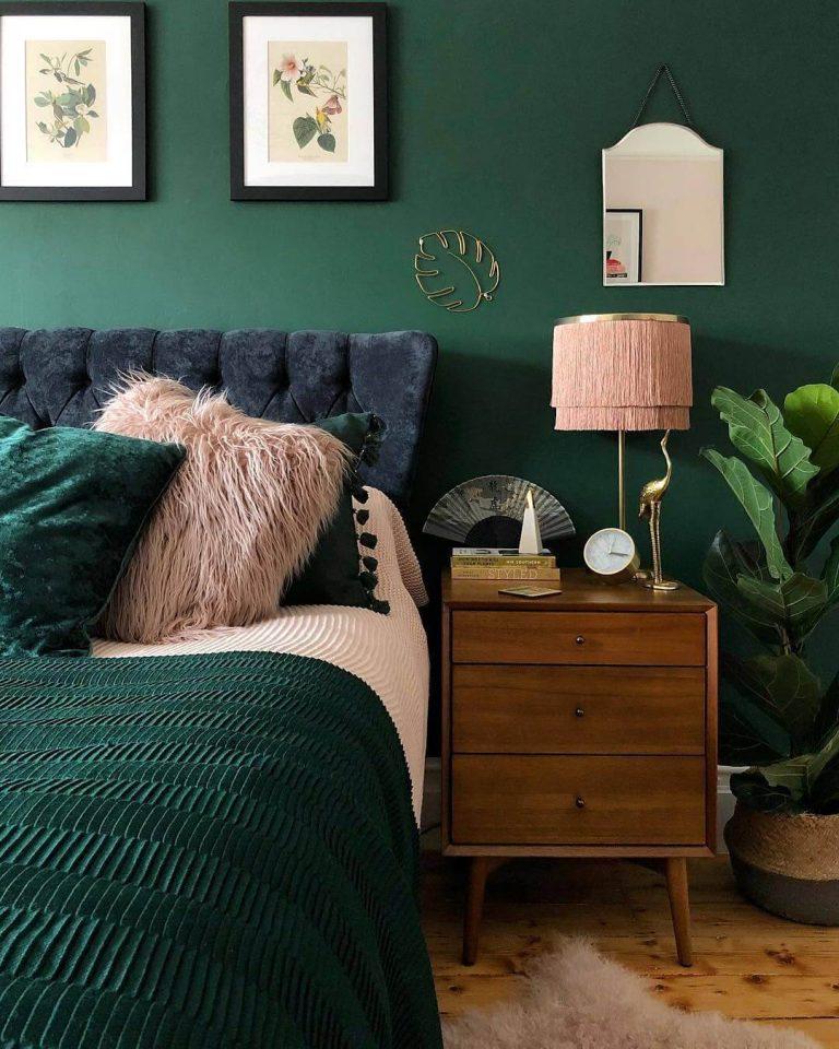 Dark Emerald Green Paint : emerald, green, paint, Jewel, Tones:, Greens, Centsational, Style