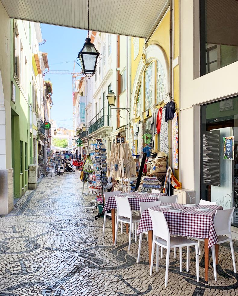 Sunlit Stroll through Aveiro
