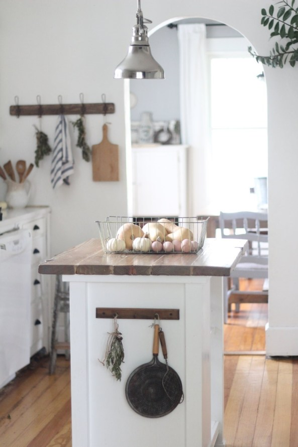 10 Beautiful Farmhouse Style Kitchen Makeovers Centsible Chateau