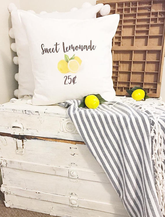 farmhouse lemon decor-lemon pillow