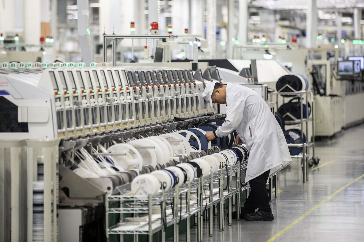 Chinese Industrial Companies' Profit Grows for Fourth Month