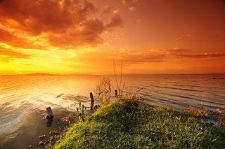 dramatic sunset at a lake