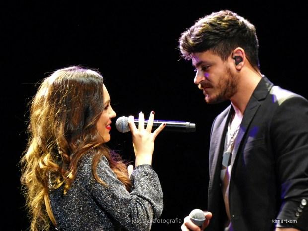 María Parrado junto a Cepeda en el concierto de Sevilla, 27 de marzo de 2019
