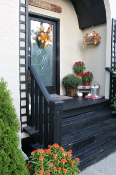 Fall Porch Decorating Ideas Clean And Scentsible for 10+ Imaginative Fall Porch Decorating Ideas To Make Yours Unforgettable