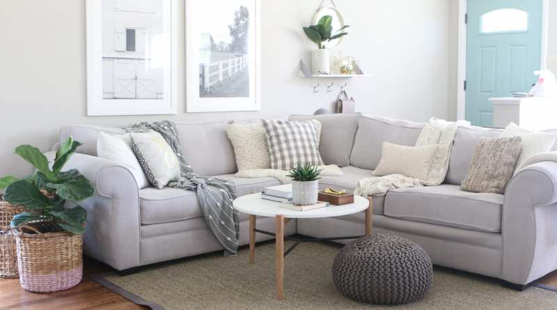 Living Room Decorating 101 Dos Donts The Diy Playbook within ucwords]