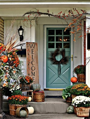 Trending 15 Fall Porch Decorating Ideas inside ucwords]