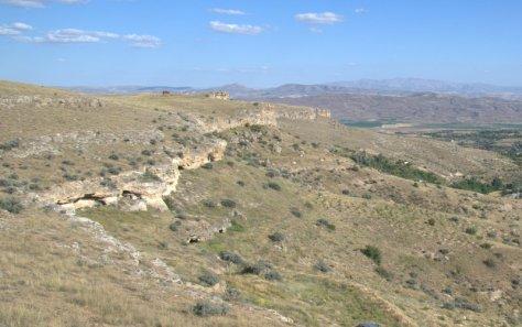 Tıhrazın Dere'sinin Inkışla tarafındaki yerleşim yerleri.