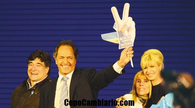 Scioli fue el candidato más votado y peleará con Macri y Massa en octubre