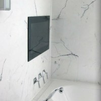 Marble-effect ceramic tiles for an opulent bathroom
