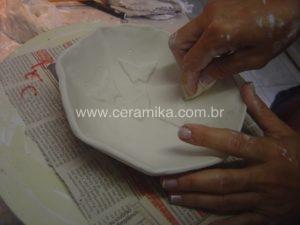 borboletas em relevo na porcelana artesanal
