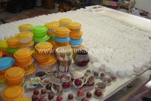 testes com esmaltes ceramicos vermelhos