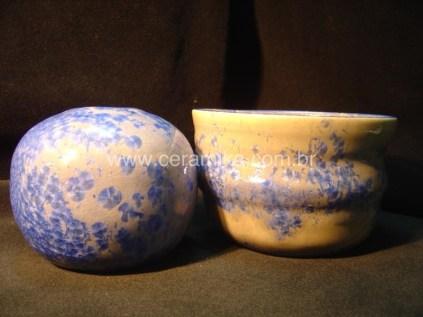 cristais no vidrado ceramico