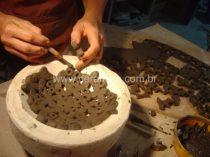 modelagem de peça usando molde em gesso