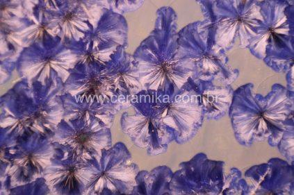 esmalte ceramico cristalino flores azuis
