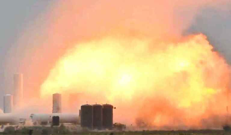 Nave espacial SN4 de SpaceX explota durante prueba de motor