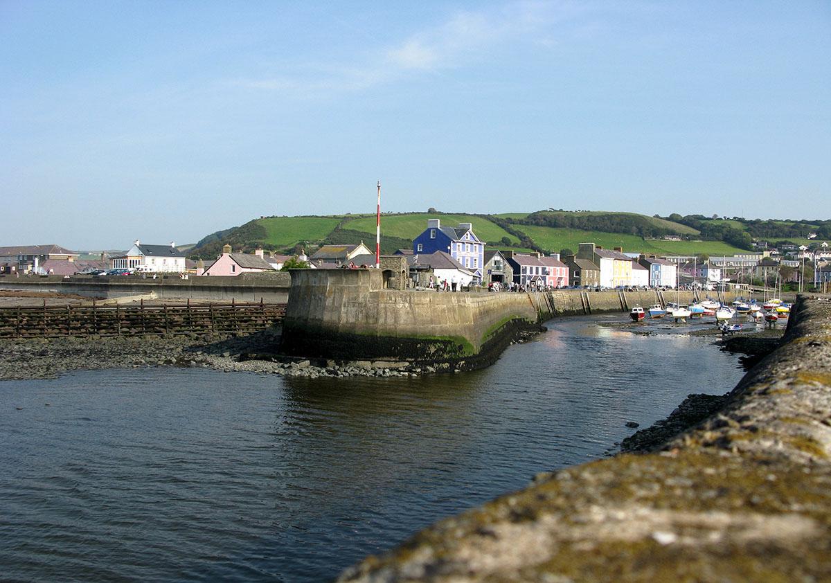 Pier Aberaeron - Darganfyddwch archeoleg, hynafiaethau a hanes Ceredigion