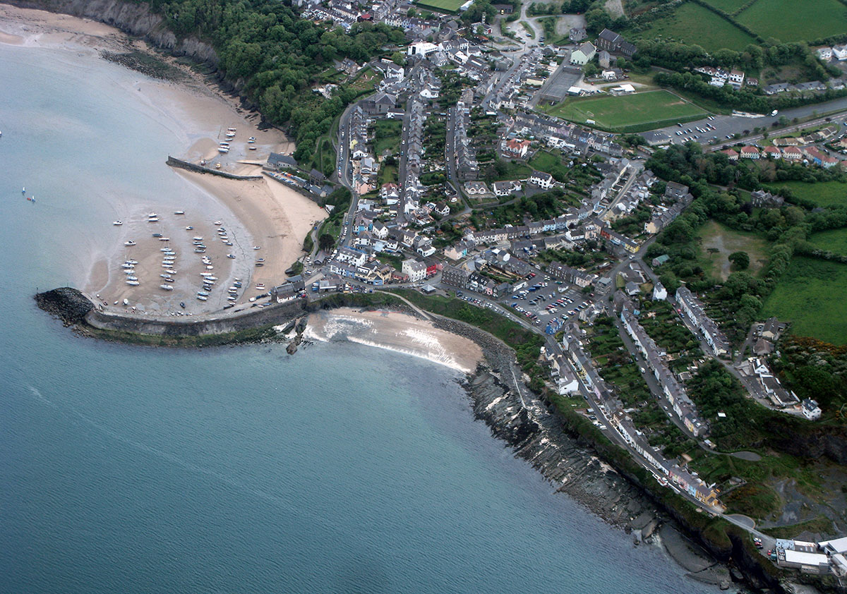New Quay Beaches - Discover the archaeology, antiquities and history of Ceredigion