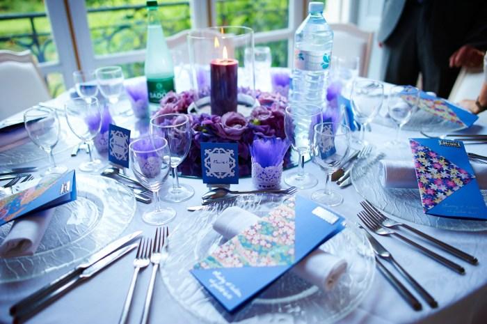 Mariageetdécoration - table violet foncé