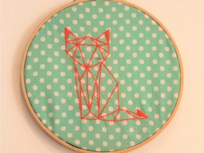 Cadre rond tambour à broder origami RENARD
