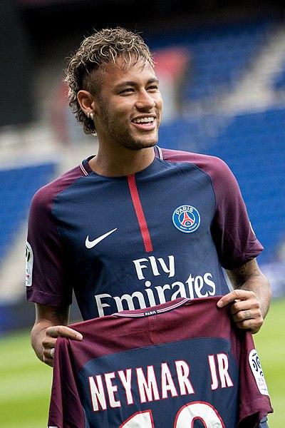 Iniesta Bahas Soal Spekulasi Barca Pulangkan Neymar