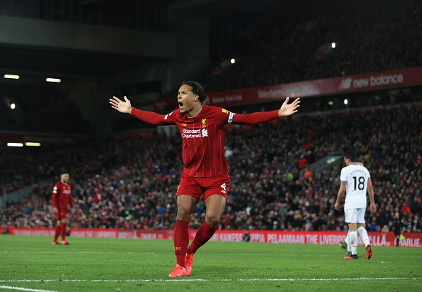 Jordan Henderson: Virgil van Dijk Pancarkan Aura Positif di Liverpool