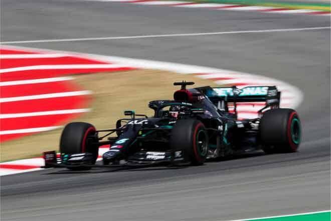 Lewis Hamilton Pole Position, Duo Racing Point Beri Kejutan